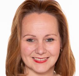 Annemieke Altena